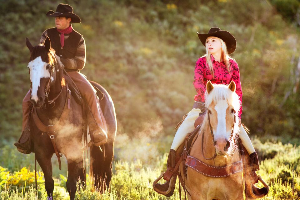 Vaquera a caballo