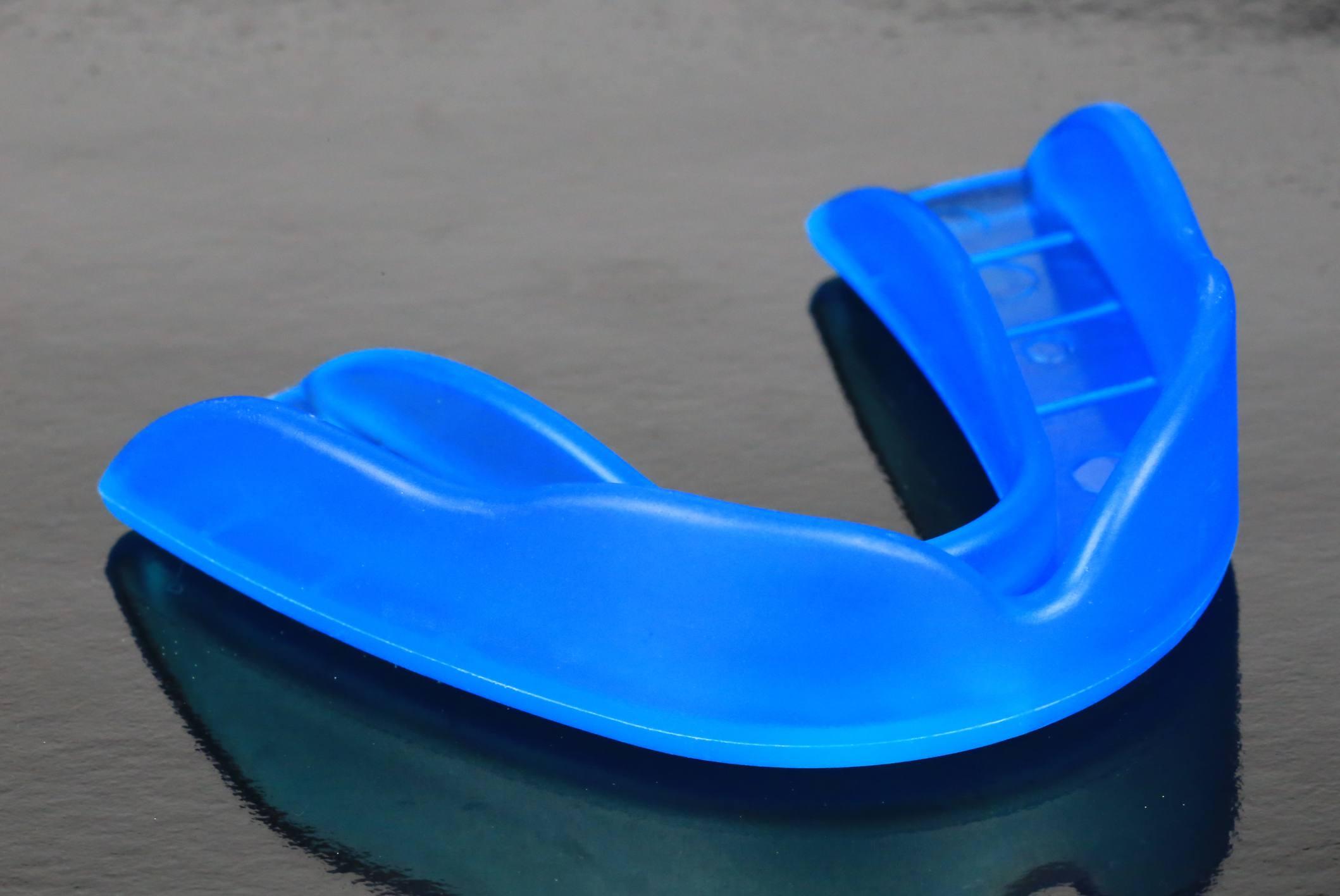 Dispositivo de protección bucal para prevenir y reducir lesiones