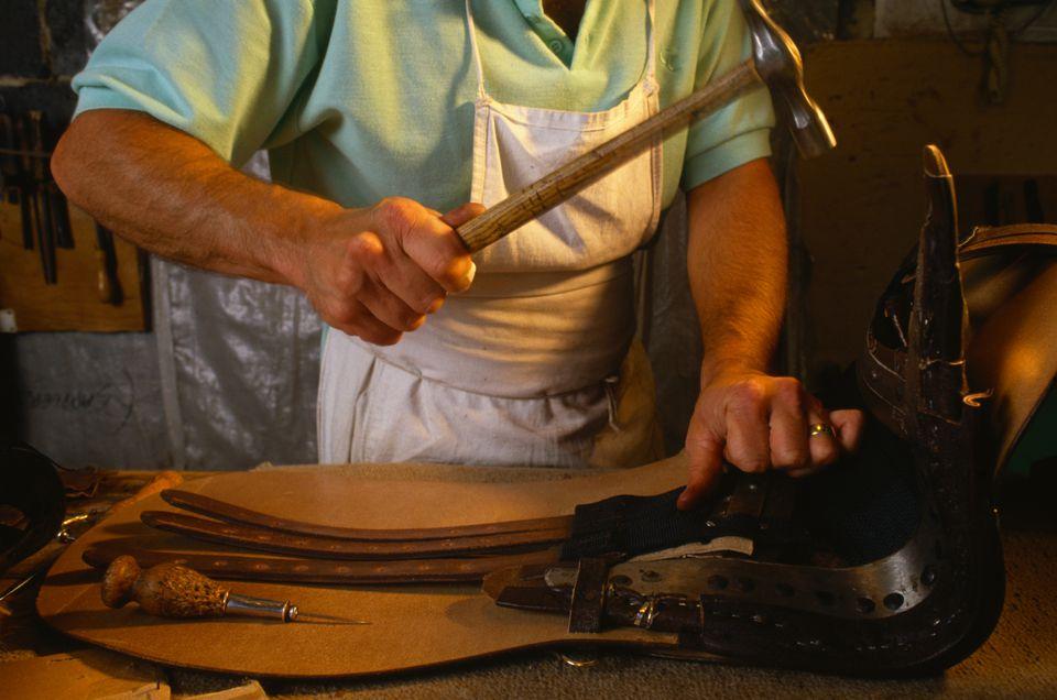 Saddle-maker Hammering Straps