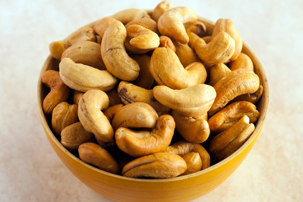 Cashews are a good source of magnesium.