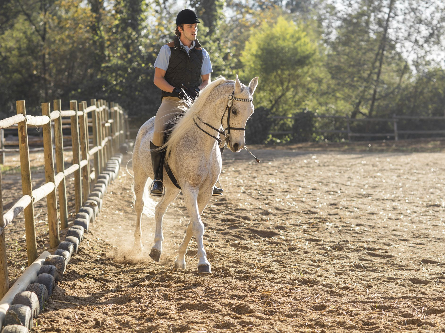How To Dress Comfortably And Safely For Horseback Riding